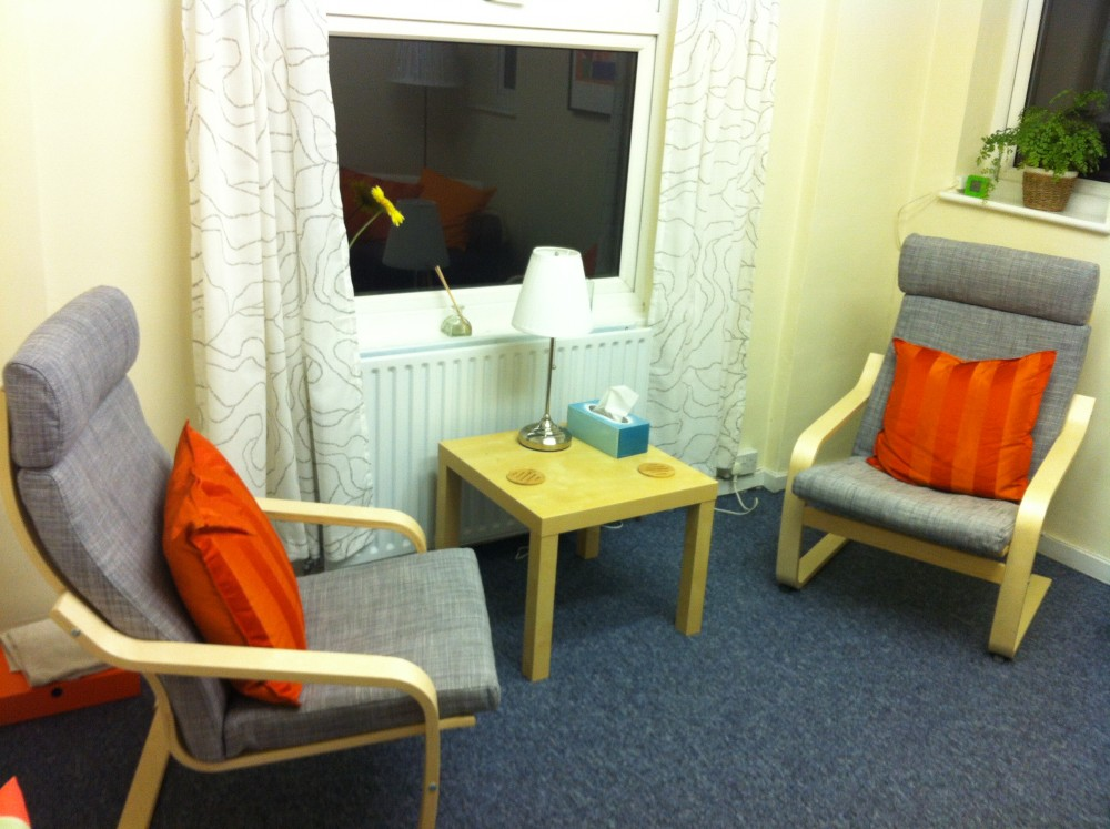 Counselling room in Hampton Hill, Middlesex. Liz Chalmers MBACP(Accred)